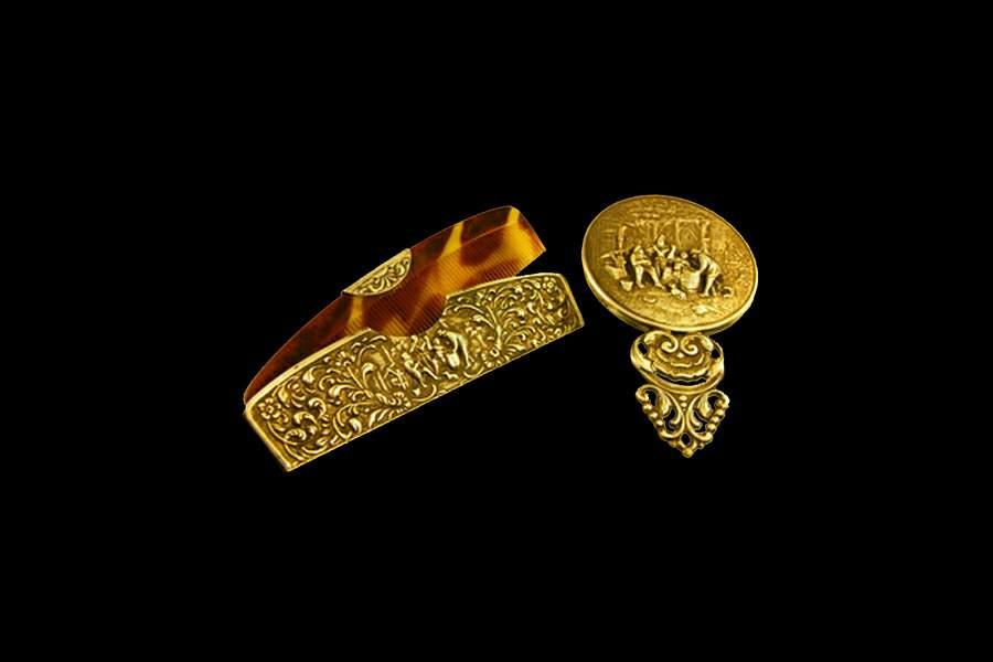 76063511a9cb Эксклюзивная расческа, футляр и зеркальце из золота в винтажном стиле от  Арт-Студии MJ